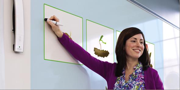 ¿Sabías que puedes transformar una pizarra acrílica simple en una súper pizarra digital interactiva?
